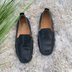 UGG Men's black all leather slip on loafer size 9